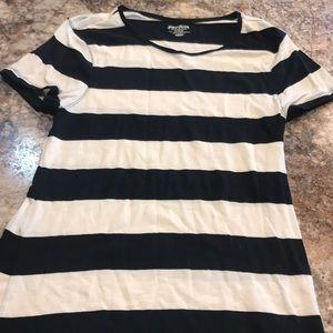 Striped old navy tee